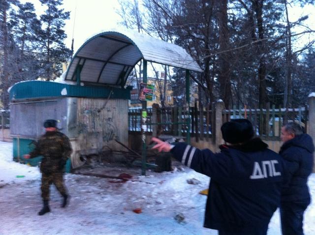 Поиски виновного во взрыве на остановке в Ангарске продолжает полиция Иркутской области. Автор