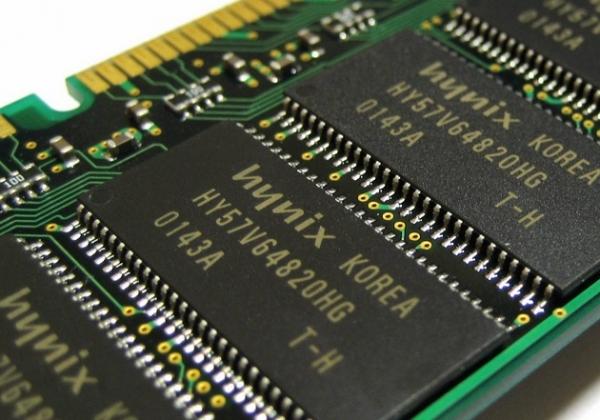 SK Hynix начала поставки мобильной памяти нового поколения